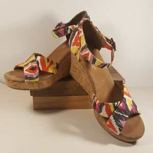Toms Multicolor Wedge Sandals Size 7.5W Geometric